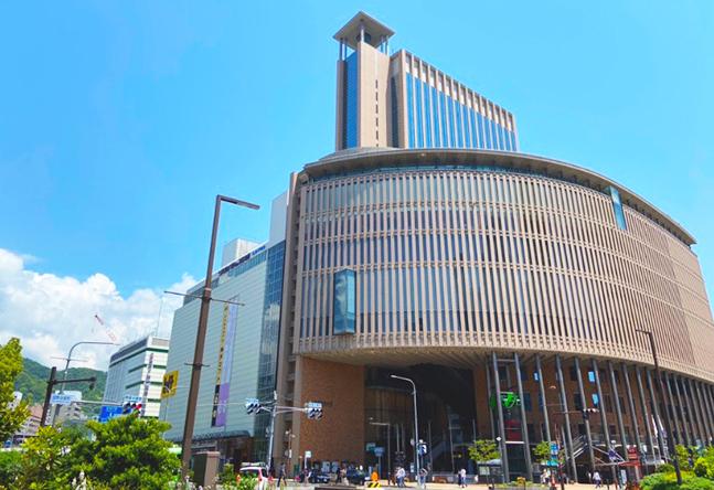 【駅直結 徒歩7分】三宮のランドマーク、神戸国際会館の17階。見晴らし抜群!