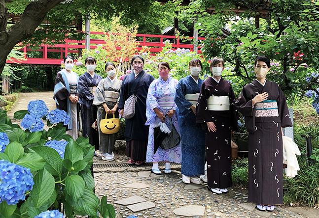 【楽しいおでかけ(2)】 きものを着て紫陽花を見に神社に行く…これがこんなにも楽しい! 一人で参加しても、気づけばみんな趣味友☆