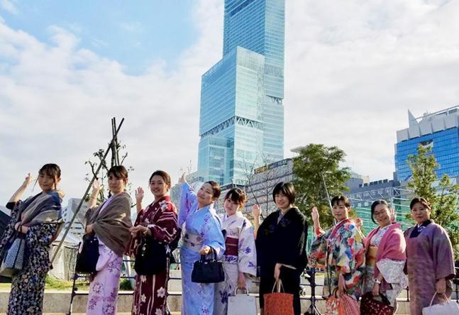 いち瑠大阪エリア、最大の広さ&見晴らし抜群! 明るく楽しい講師が一から丁寧に教えます!