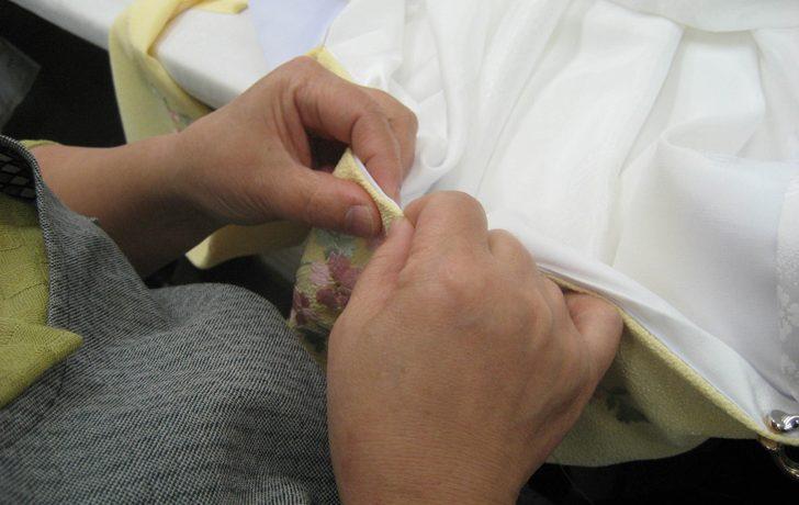 半衿付けが面倒…そんな方の為に簡単な半衿の付け方をご紹介します!